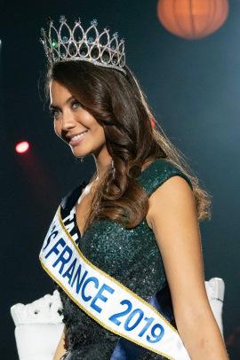 Vaimalama Chaves, Miss Tahiti, a ete elue ce samedi Miss France 2019. Soiree d'election de Miss France 2019 presentee par Jean-Pierre Foucault sur TF1 en direct du Zenith Arena de Lille. Lille, FRANCE - 15/12/2018/Credit:LAURENT VU/SIPA/1812160949
